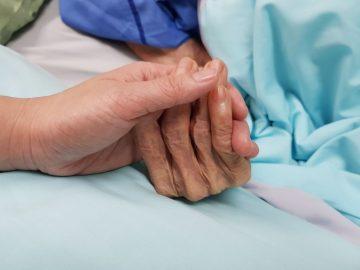 Abuela fallecida - Significado y simbolismo de los sueños 14